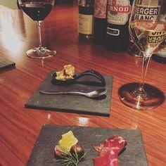 家から1分の素敵なお店見つけました() #こだわりのワインとスイーツの店 #きっと神経質そうなマスター #ワイン #wine #dessertbar #dessertbarobico