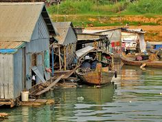 The Compleat Traveller: Phnom Penh River Cruise