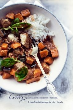 Curry z kurczakiem, batatami i bakłażanem | Kwestia Smaku