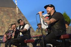 Benji Madden Photos  - The Madden Brothers Perform At 98.7 FM's Penthouse Party Pad - Zimbio