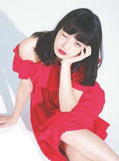 小松菜奈が着る夏リゾコーデ。キーワードは「ハデ色&楽ちん」♡|NET ViVi|講談社『ViVi』オフィシャルサイト