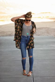 Kimono and ripped jeans for a casual boho summer outfit. Outfit from www.theredclosetdiary.com || Instagram: jalynnschroeder
