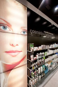 #ecoceutics farmàcia Mario Alsina #castellodempuries #jordifigueroladesign #mesqueretols #int-nova #pharmacy Retail Wall Displays, Pharmacy Store, Point Of Sale, Boutiques, Makeup Cosmetics, Modeling, Presentation, Forget, Shopping
