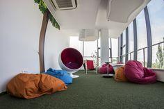 Laboratorium Kreatywne, czyli chillout zone w Business Link Kraków! To idealna przestrzeń na kreatywną burzę mózgów lub oryginalne szkolenie.