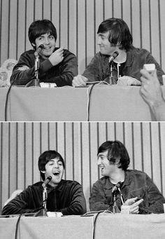 Paul McCartney and John Lennon Les Beatles, John Lennon Beatles, Jhon Lennon, Sarah Andersen, The Quarrymen, El Rock And Roll, John Lennon Paul Mccartney, Beatles Photos, Love Me Do