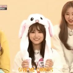 The perfect Rabbitnako Nako Nakorabbit Animated GIF for your conversation. Discover and Share the best GIFs on Tenor. Kpop Girl Groups, Kpop Girls, The Wiz, Animated Gif, Flower Power, We Heart It, Animation, Gifs, Random