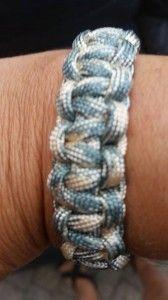 paracord armbandjes / bijleonie