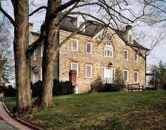 Weatherstone home in Connecticut ~ Carolyne Roehm home