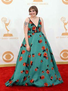 Lena Dunham - Prada Elizabeth Moss, Girls Hbo, Prada Dress, Lena Dunham, Fashion Fail, The Emmys, Dress Picture, Red Carpet Dresses, Red Carpet Looks
