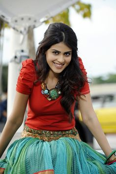 Genelia Hot - Latest photos of bollywood actress Genelia D'Souza. View the latest and hot photos of actress Genelia. Genelia D'souza, Beautiful Bollywood Actress, Most Beautiful Indian Actress, Indian Bollywood, Bollywood Stars, Teenage Girl Photography, Stylish Girl Pic, Beauty Full Girl, Indian Beauty Saree
