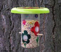 кормушка для птиц - поделки из пластиковых бутылок своими руками