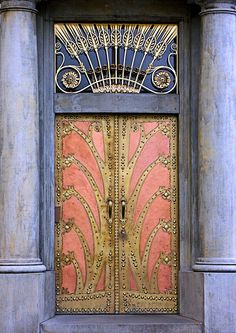 I recently returned from a jaunt to Prague and was wooed by the beautiful architecture. A city that is full of stunning buildings in ice cream colours with ornate Art Nouveau flourishes, and so man… Grand Entrance, Entrance Doors, Doorway, Entrance Ways, Cool Doors, Unique Doors, Art Nouveau, Porte Cochere, When One Door Closes