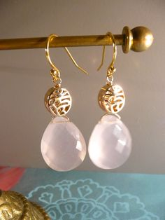 Vermeil earrings with Rosequartz briolettes.