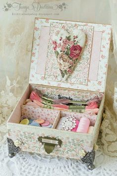❤️ If you have or can make a box like this it would be great to hold alot of your little prizes.