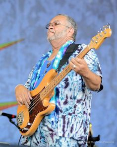 The Meters close out Jazz Fest 2017 with a message of peace and love