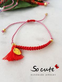 Brazalete Macrame Bracelets, Handmade Bracelets, Jewelry Bracelets, Handmade Jewelry, Easy Crafts To Make, Crochet Collar, Kids Jewelry, Micro Macrame, Handmade Accessories
