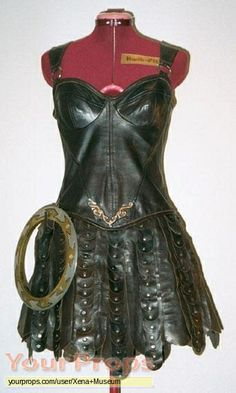 Seen in every episode, Xena's leather hero costume. This one was used by Xena for stunts. Adult Princess Costume, Warrior Princess Costume, Warrior Costume, Epic Cosplay, Cosplay Outfits, Cosplay 2016, Cosplay Ideas, Costume Ideas, Warrior Queen