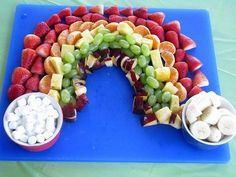 rainbow fruit platter for birthday party Rainbow Snacks, Rainbow Fruit, Rainbow Theme, Rainbow Baby, Cute Food, Good Food, Yummy Food, Fruit Recipes, Easy Recipes