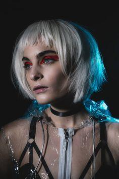 Blade Runner Beauty Shoot by Cassie Scott Beauty Shoot, Blade Runner, Creative Makeup, New Movies, Cassie, Makeup Looks, Halloween Face Makeup, Sexy Women, Make Up