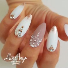 Extend style to your nails with nail art designs. Donned by fashionable personalities, these types of nail designs will add instantaneous allure to your outfit. White Nail Art, White Nails, Pink Nail, White Nail Designs, Nail Art Designs, Nails Design, Nail Art Blanc, Nailart, Mandala Nails