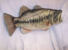 Vintage 10x14 big mouth bass pillow novelty mouths for Fish shaped pillow