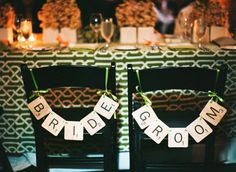 Bride and Groom signs fashioned after scrabble tiles  Photography by aliharperphotography.com, Planning by estoriasocial.com