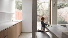 Dit familiehuis laat de gouden combinatie van beton en hout zien