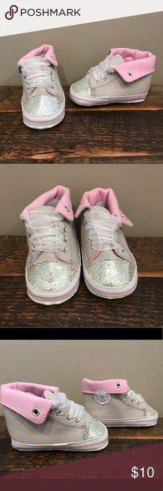 Converse like Crib Shoes sz 3C Brand new, look like Converse crib shoes. Size 3C/12-18 months. Check out my closet for more awesome kids shoes! Shoes Baby & Walker