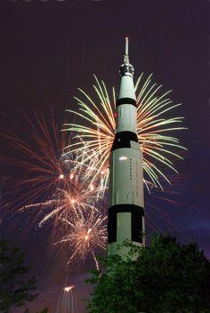 Huntsville, AL : Saturn V Rocket at U.S. Space and Rocket Center
