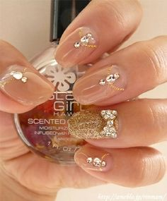 I like the nude nails with the gold glitter accent nail. The bling is just the right amount too. Silver instead of the gold x Glitter Accent Nails, Bling Nails, Gold Nails, Nude Nails, Gold Glitter, Sparkle Nails, Pastel Nails, Fancy Nails, Fabulous Nails