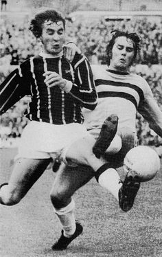 October Crystal Palace ball winner Steve Kember tangling with West Ham United youngster, at Selhurst Park. Crystal Palace Fc, Everton Fc, West Ham, Big Men, Golden Age, October, Hipster, Football, Bike
