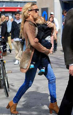 These boots are made for Stomping! Kate Hudson and Matt Bellamy take the kids to see percussion dance show Brown Ankle Boots, Kate Hudson, Hipster, Dance, Chic, My Style, How To Wear, Fashion, Natural Person