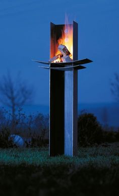 wodtke Manitu - Living Design Outdoor DIY Projects - Inexpensive and Easy Ways to Improve Your Home Cool Fire Pits, Metal Fire Pit, Diy Fire Pit, Fire Pit Backyard, Backyard Seating, Backyard Landscaping, Backyard Ideas, Outdoor Fire, Outdoor Living
