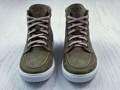 Ylati footwear.