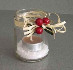 Portacandele fai-da-te (think of all the combinations that could be made, a new candle for any holiday) Christmas Is Coming, Christmas Baby, Homemade Christmas, Christmas Time, Xmas, Candle Jars, Candles, Candleholders, Jar Gifts