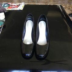 Cami Black Leather Round Toe Pump-Sz 10 Cami Black Leather Round Toe Pump-Sz 10B Cami Shoes Heels