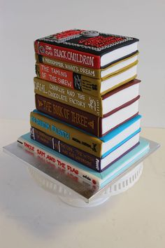 A cake for a bookworm!