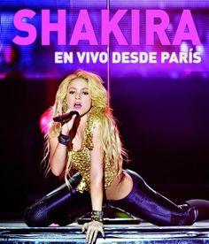 """2011 - """"En vivo desde París"""". Shakira luce unos ajustados pantalones negros, un top corto dorado… y una postura sobre el escenario que parte la tierra al medio. Bueno, al menos pareciera dividir el escenario, ¿verdad? Un cambio en su vida amorosa ya se vislumbraba en ella."""