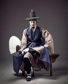 한복 Hanbok for him / Traditional Korean clothes / Design by Kim Min Jeong Korean Traditional Dress, Traditional Fashion, Traditional Dresses, Korean Fashion Trends, Korea Fashion, Asian Fashion, Muslim Fashion, Korean Dress, Korean Outfits