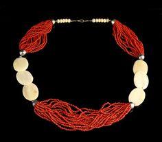 Vintage Coral Necklace : Lot 722