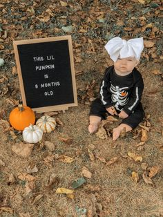 Halloween Baby Photos, Baby First Halloween Costume, Fall Baby Pictures, Baby Girl Photos, Monthly Baby Photos, Monthly Pictures, Baby Monat Für Monat, 8 Month Old Baby, Milestone Pictures