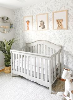 Soft botanicals make for the most adorable gender neutral rooms! TAP for deets on this NEW wallpaper. Baby Boy Rooms, Baby Boy Nurseries, Baby Boy Nursery Themes, Baby Decor, Unisex Nursery Ideas, Baby Room Decor For Boys, Vintage Baby Boy Nursery, Cheap Nursery Ideas, Baby Boys