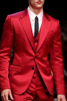 Details from the DolceGabbana Summer 2015 Mens Fashion Show.The Spanish influence in Sicily between 1576 and Mens Fashion Suits, Blazer Fashion, Mens Suits, Boy Fashion, Trendy Fashion, Fashion Outfits, Fashion Tips, Designer Suits For Men, Madrid
