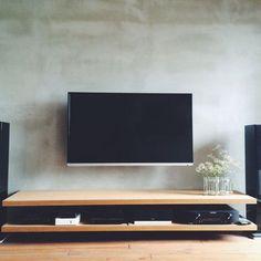 n_____ieさんの、男前,北欧,リノベーション,モルタル,造作棚,壁掛けテレビ,リビング,のお部屋写真