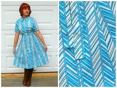Vintage 1970s Turquoise and White Chevron Zip n by Enchantedfuture