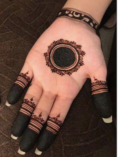 Circle Mehndi Designs, Round Mehndi Design, Floral Henna Designs, Henna Tattoo Designs Simple, Mehndi Designs 2018, Mehndi Designs For Fingers, Henna Mehndi, Bridal Mehndi, Henna Art