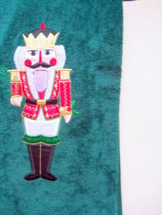 Vintage NEW Christmas Bathroom Towel Set 1980s by WylieOwlVintage, $15.00