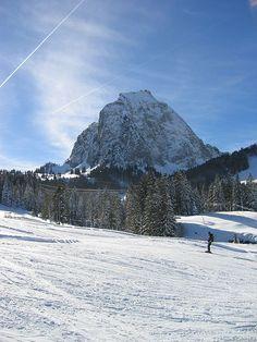 Grosser Mythen vom Brunni, Schwyz Ancestry, Mount Rainier, My Dream, Switzerland, Mount Everest, Places To Go, Pictures, Travel, Beautiful