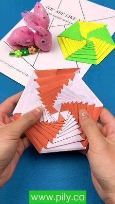 Cool Paper Crafts, Diy Crafts Hacks, Diy Crafts For Gifts, Diy Arts And Crafts, Creative Crafts, Fun Crafts, Craft With Paper, Paper Craft Work, Magic Crafts