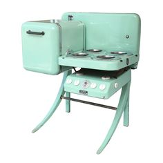 Petit four compact Vintage Art Deco Stove/Oven USA 1939 Fabulous and fantastic 1939 Electro Chef stove and oven, in working order. Camping Bedarf, Camping Stove, Camping Hacks, Camping Fridge, Camping Ideas, Camping Coffee, Camping Tools, Camping Checklist, Family Camping